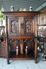 superb Renaissance style cabinet - ideal as bar cabinet in Spangdahlem, Germany