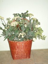 "large greenery basket 23""hx15""w in Aurora, Illinois"
