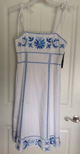 New! Woman Beautiful White & Blue Dress 10 M in Fort Campbell, Kentucky