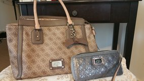 Guess purse and wallet in Fort Lee, Virginia