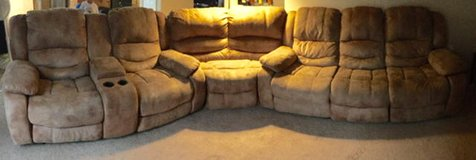 Sectional couch-- OBO need gone ASAP in Fort Lewis, Washington
