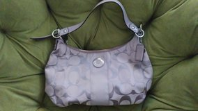 Like New Coach Purse in Fort Leonard Wood, Missouri