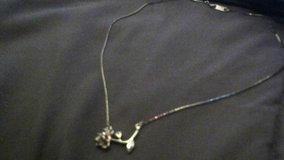 Beautiful Sterling Silver Rose Necklace in Davis-Monthan AFB, Arizona