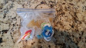 Bag of misc. pacifier's and nipples in Warner Robins, Georgia