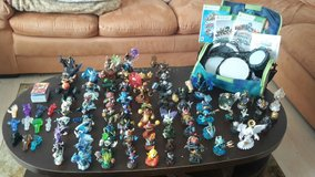 Skylanders 65 Lot Sale in Grafenwoehr, GE