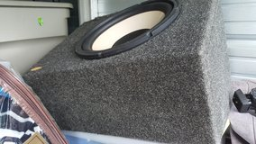 "Infinity Single 12"" Enclosed Subwoofer box (Price Reduced) in Fort Campbell, Kentucky"