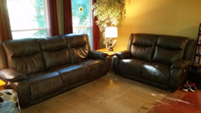 Southern Motion Leather Power Recliner Couch and Love Seat Set with Power Headrest Tilt in Fort Leavenworth, Kansas