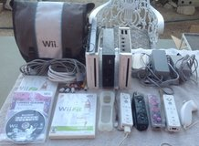 Nintendo Wii stuff for sale in Yucca Valley, California