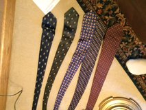 5 ties for $9 like new brands in Bartlett, Illinois