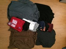 Mens lot size L-XL in Fort Bliss, Texas