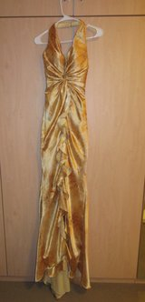 XS  0 2 Gold Formal Prom Pageant Gown in Stuttgart, GE
