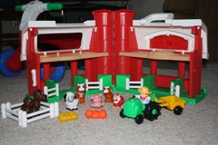 Fisher Price Farm with Tractor and animals in Camp Lejeune, North Carolina