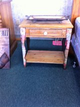 Nice Night Stand Side Table in Fort Polk, Louisiana