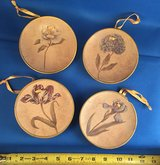 Mini plates with flowers - wall decor in Vacaville, California