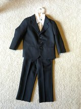 Boys Black suit size 3T in Sandwich, Illinois