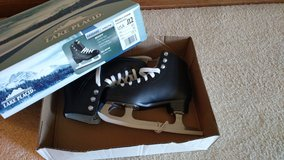 New lake placid ice skating boots in Chicago, Illinois