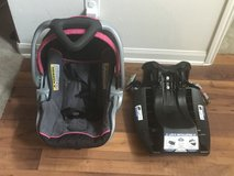 Baby Trend Infant car seat and base in Conroe, Texas