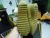 Tan hot weather boots SIZE 9R in Fort Campbell, Kentucky