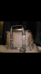 Gucci Purse brand New lots of space only had 2 days Baught online in Lackland AFB, Texas