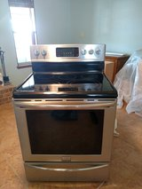 Stainless Steel Oven w/ electric stove in Alamogordo, New Mexico