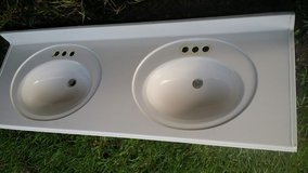 "60"" double sink vanity top with 2 side splash pieces in Conroe, Texas"