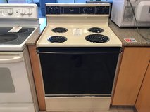 Whirlpool Bisque & Black Range Stove Oven - USED in Fort Lewis, Washington