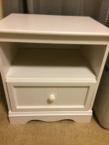 White Night Stand - Excellent Condition! in Tacoma, Washington