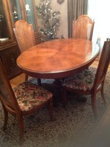 Thomasville Dining Set - Table & Chairs shown - see separate posting for China Cabinet in Glendale Heights, Illinois