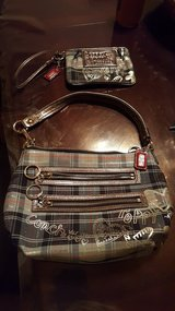 Girl coach purse and wallet in Batavia, Illinois
