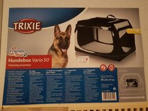 Collapsible dog transport kennel in Ramstein, Germany