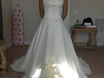 NEW Wedding/QUINCE dress in Fort Bliss, Texas
