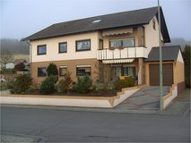 Top Apt. 2 bedr. .Distance to RAB 9.0 Miles (15 minute) c/w Garage in Ramstein, Germany