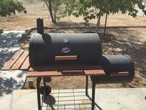 Char-Griller   Smokin' Champ Charcoal Grill Horizontal Smoker with side fire box in Barstow, California