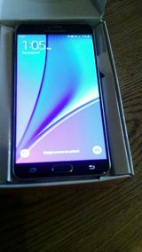 ATT UNLOCKED LIKE NEW 32 gb black like new No box!! in Todd County, Kentucky