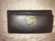 Excellent condition leather mk wallet in Vacaville, California
