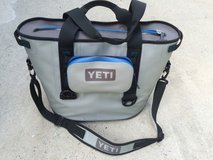 Yeti hopper 30 with sidekick bag in Beaufort, South Carolina