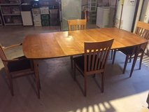 dining room table and chairs in Naperville, Illinois