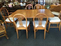 Dining Table and Chairs in Aurora, Illinois