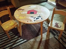 kids table and chairs in Oswego, Illinois