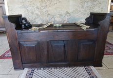 rustic antique trunk bench in Spangdahlem, Germany