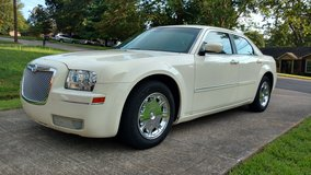 2006 Chrysler 300 Limited in Fort Campbell, Kentucky