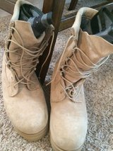 6 1/2W Cold weather boots tan in Lawton, Oklahoma