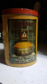 Quaker Oats - Quaker Corn Meal Tin Made By Cheinco Housewares Usa 7.5 Inch in Belleville, Illinois