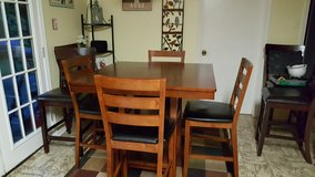 Pub Style Dining Room Table w/4 chairs in Leesville, Louisiana