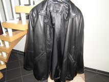 XL Leather jacket Black in Ramstein, Germany