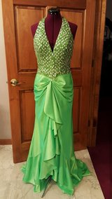 Prom STUDIO 17 sz 4 6 8  (see measurements) Homecoming Green Halter Formal Prom Gown Ball Masque... in Kingwood, Texas