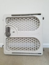 Safety 1st baby gate great condition used in Fort Belvoir, Virginia