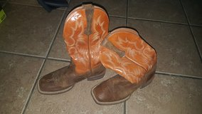Ariat cowboy 91/2 boots in Fort Bliss, Texas