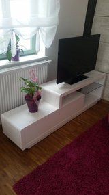 Beautiful and modern Tv Stand white in Stuttgart, GE