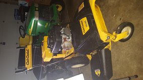 Cub cadet zero turn mower in Aurora, Illinois